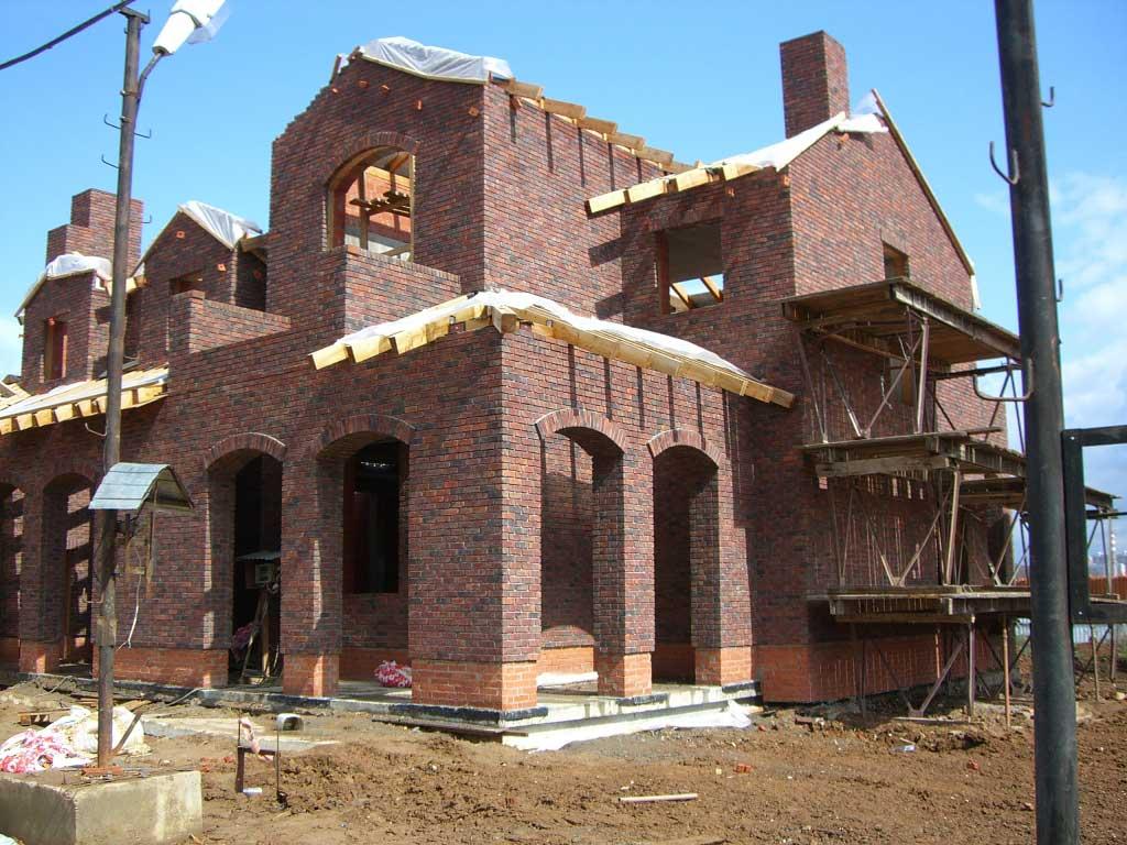 Дом облицован клинкерным кирпичом MUHR