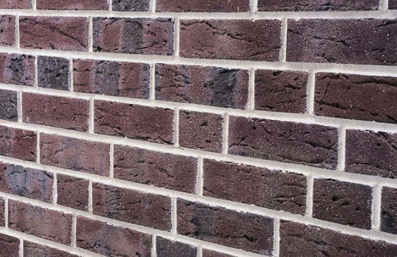Стена из клинкерного кирпича