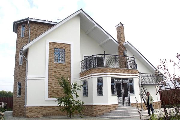 Dom s otdelkoi